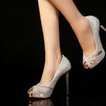 幅の狭い靴をお探しですか?